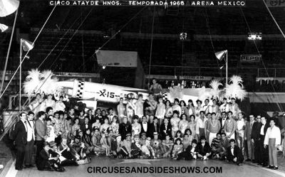 Circo Atayde Group Photo