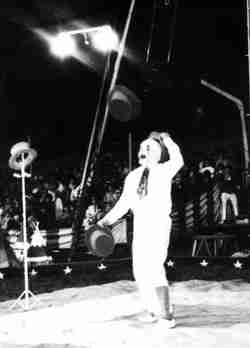 Lou Nagy Juggler