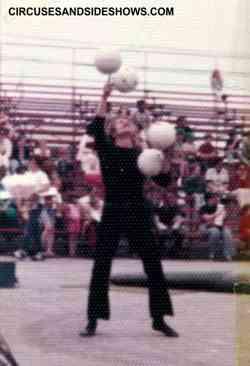Juggler Michael Chirrick