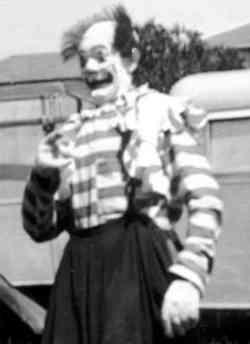 Bernie Giggs circus clown